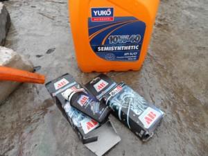 Моторное масло Yuko 10w40 полусинтетика + противоизносные присадки Формула АВ